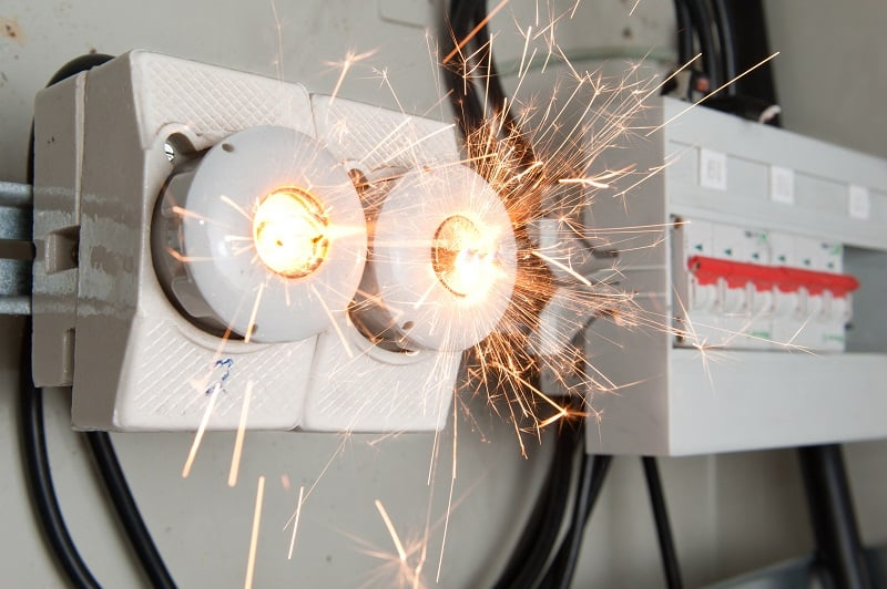 5 Warning Signs that Your Home or Business May Be at Risk of an Electrical Hazard